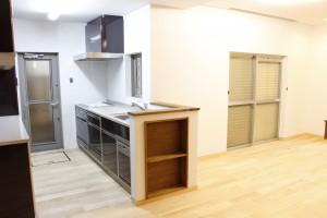 キッチンを中心としたリノベーション工事(間取り変更)